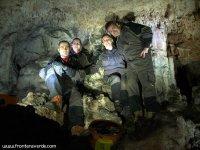Haciendo una visita a las cuevas