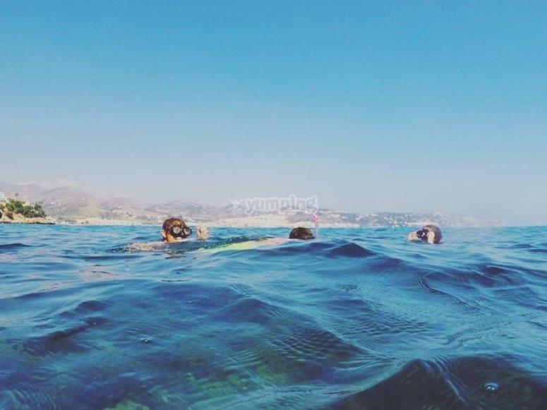 Inmersión en snorkel después de excursión en kayak