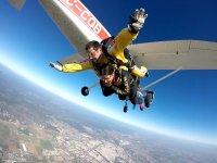 Antes de abrirse el paracaídas