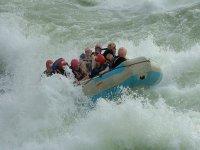Descendiendo en aguas bravas