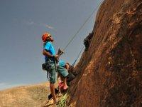 Asegurando la escalada en Ajuy