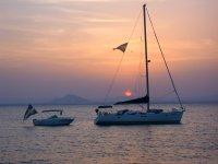 Excursion maritima con la puesta de sol