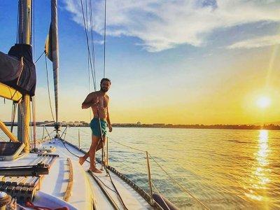 Alquiler de velero con patrón Costa de Azahar 1día