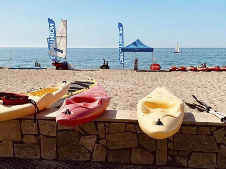 Pronti per un pomeriggio di kayak sulla Costa Dorada