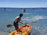 Prepararsi per un pomeriggio di kayak