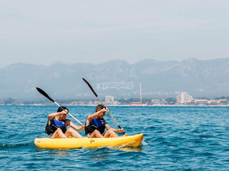 Godersi la Costa Dorada in kayak