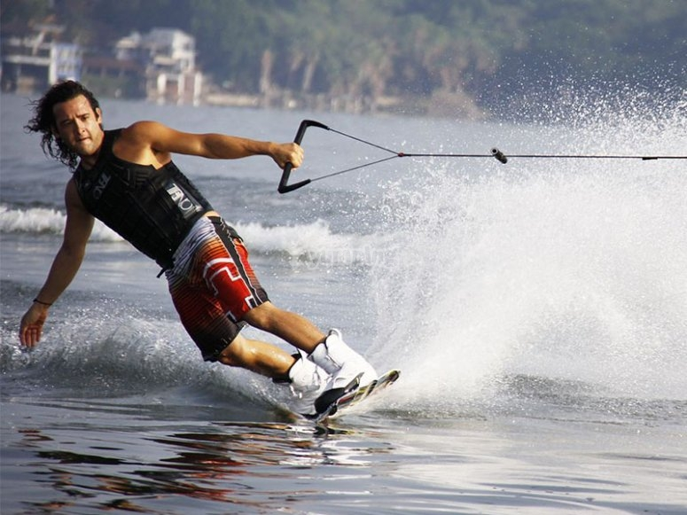 Feeling the speed on wakeboarding