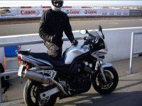 Saludando desde la moto