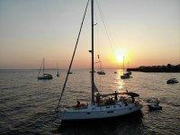 Giro in barca a vela al tramonto e cocktail Torrevieja