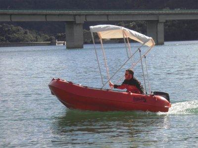 Noleggio barche senza patente Bacino idrico di Baells 2h