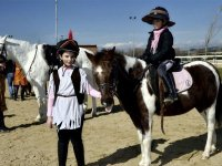 在SAN与塞巴斯蒂安·德·洛斯·雷耶斯骑马的生日