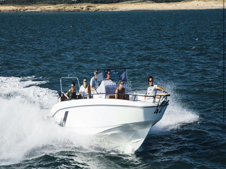 Alquiler de barco con patrón en Dénia