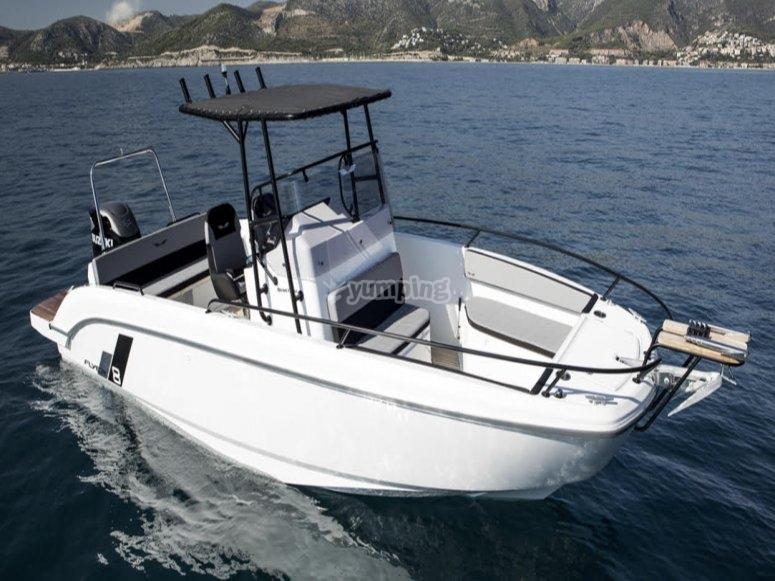 Navegando por Dénia con barco