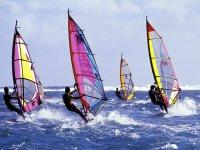 Empresa y windsurf