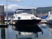 barco amarrado en el puerto de vigo