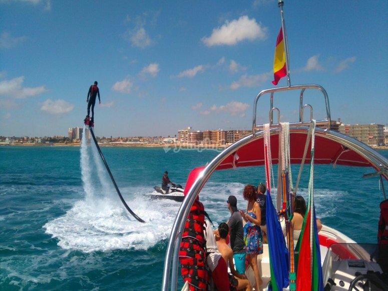 Flyboard visto dalla barca
