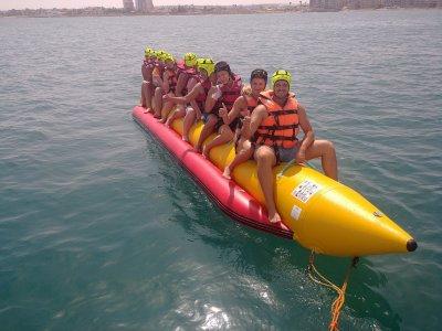 Vuelo en parasailing y banana boat en Torrevieja