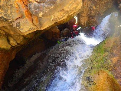 Barranquismo en Mascún Superior en Sierra de Guara