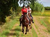 Paseo a caballo por el campo