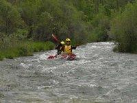 Canoa di acque bianche di livello medio nell'Alto Tajo