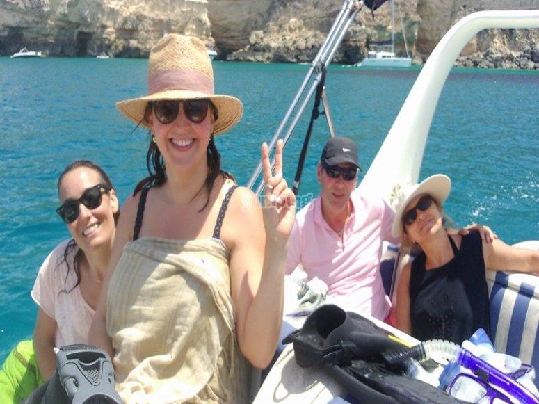 在福门特拉(Formentera)航行