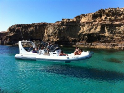 Alquiler de lancha semirrígida en Formentera 4 h