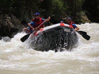 Iniziazione rafting fiume Genial-Cuevas de San Marcos