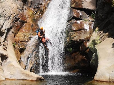 Canyoning in Somosierra initiation level 3 h