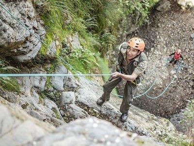 在阿拉贡比利牛斯山脉的 Foz de Fago 溪降