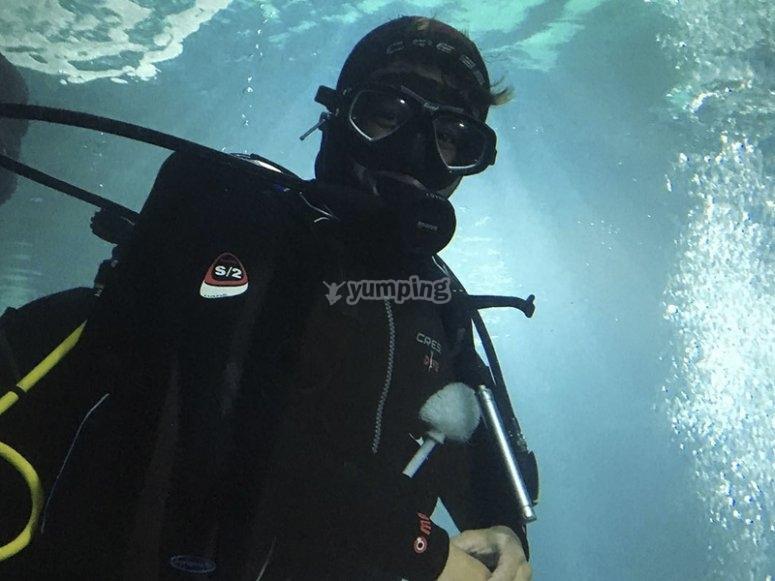 在潜水中享乐