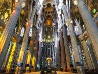导游参观巴塞罗那圣家堂2小时