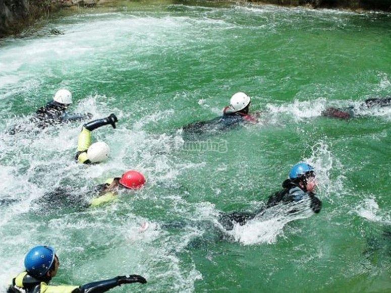 Nadando en los Cañones de la Cerrada del Utrero
