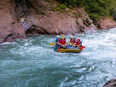 Rafting in Noguera Pallaresa Llavorsí river 2 h