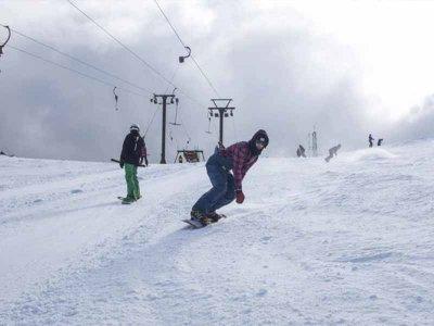 Curso de snowboard para 3 personas Navacerrada 3 h