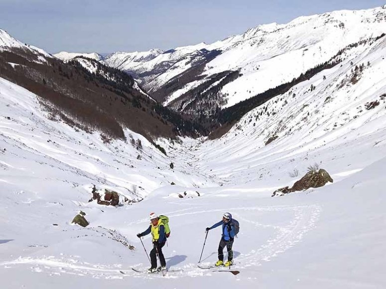 Enjoying the mountain with snowshoes