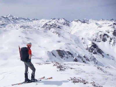 Raquetas de nieve al Pico de Peygeret en Pirineos