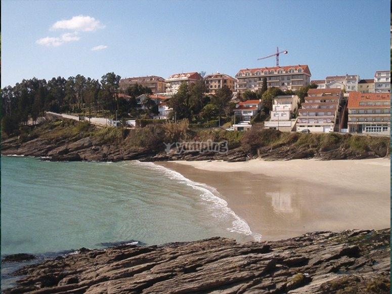 Caneliñas海滩的景色