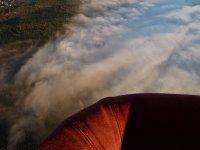 Sobrevolando las nubes