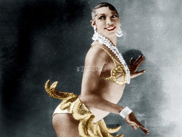 La bailarina Josephine Baker en su espectaculo de Paris