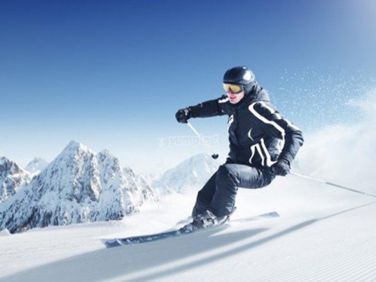 Enjoying a ski class