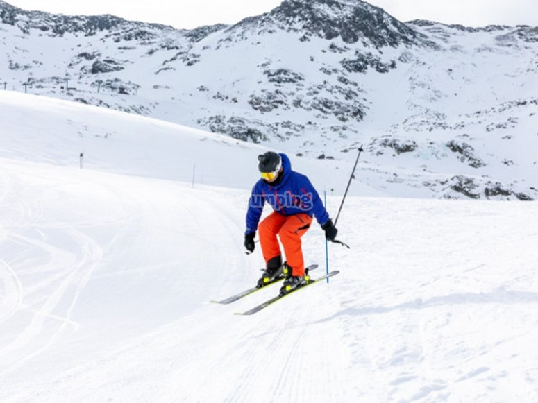 Ski class in Candanchú