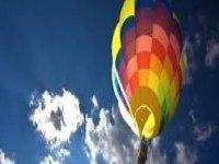 godendo di un volo in mongolfiera a Tarragona.jpg