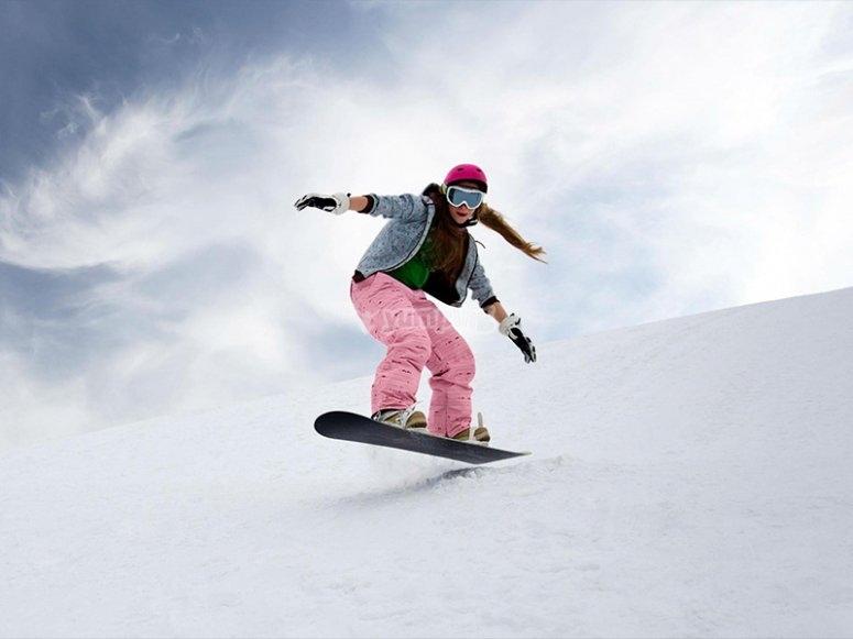 Snowboarding in Astún