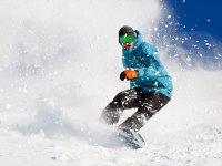 Snowboarding at Astún resort