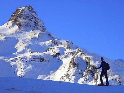 Raquetas de nieve en valle de Tena en Formigal 4 h