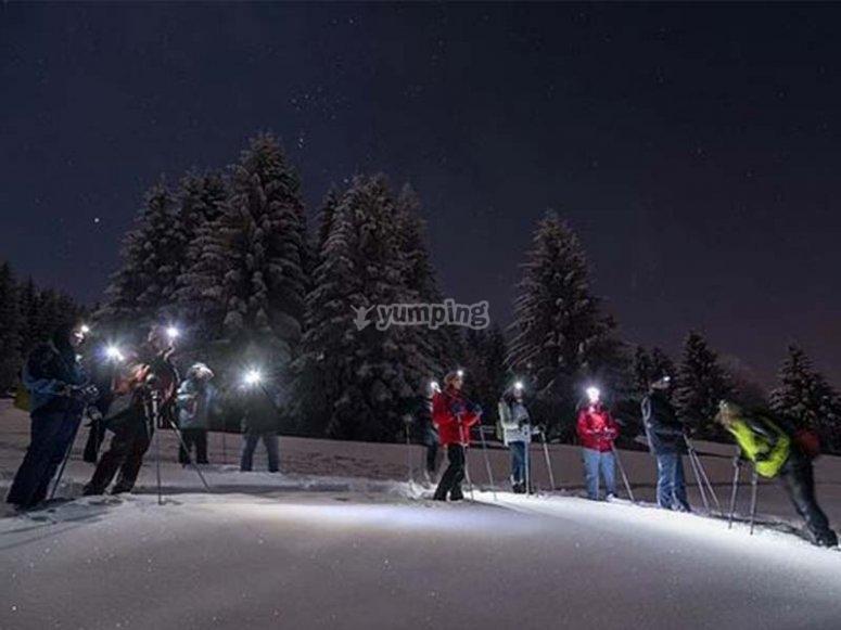 Ruta con raquetas de nieve nocturna