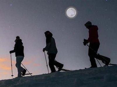 Raquetas de nieve con luna llena valle de Benasque