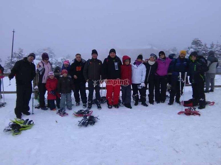 Raquetas de nieve con la familia