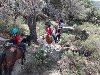 Montando por el sendero de El Espinar