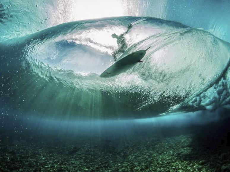 Surfeando en la playa Famara